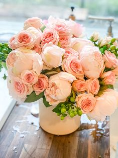 5 Tips to Make Faux Flowers Look Real – Hallstrom Home - Modern Design Fake Flower Centerpieces, Peony Flower Arrangements, Artificial Floral Arrangements, Flower Decorations, Fresh Flower Arrangement, Fake Flowers, Diy Flowers, Fresh Flowers, Spring Flowers