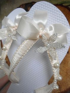 Boho wedding Ivory lace bridal flip flops bride, bridal shower gift, dancing…