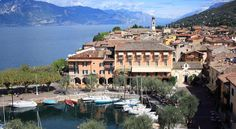 Hotel Ristorante Gardesana Torri del Benaco Hotel Ristorante Gardesana is set in Torri del Benaco, overlooking Lake Garda. It offers panoramic lake views and air-conditioned rooms with satellite TV and free Wi-Fi.  Some rooms at Gardesana have views over Lake Garda.