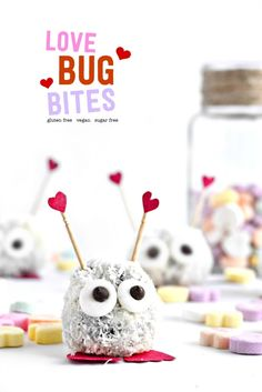A No Bake Cake Pop in the middle makes the cutest Love Bug Bite for Valentine's! #valentinesday