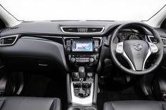 2019 Nissan Qashqai ST front dash