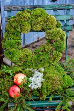 Moss wreath. Love the green and the soft cushiness of it.