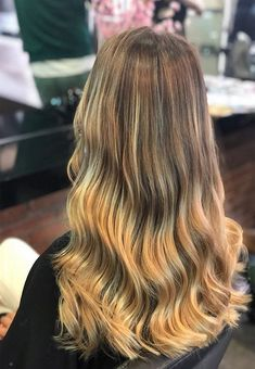 Balayage So Pretty Hair Color Ideas 2019 - All About Hairstyles Unique Hairstyles, Messy Hairstyles, Pretty Hairstyles, Pretty Hair Color, Latest Hair Color, Hair Highlights, Hair Trends, Ponytail, Trendy Hair