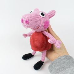The free Peppa Pig crochet pattern will help you to create a famous cartoon character. The difficulty of amigurumi Peppa Pig crochet pattern is medium. Minion Pattern, Crochet Amigurumi Free Patterns, Crochet Animal Patterns, Stuffed Animal Patterns, Dinosaur Pattern, Cat Pattern, Crochet Easter, Crochet Pig, Cute Crochet