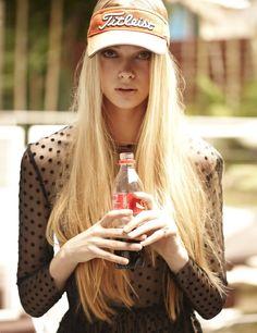Blonde Perfection à pois