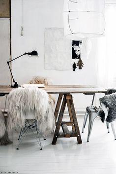 Pukkijalkapöytä