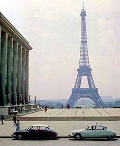 Six things I love: Paris, Citroen DS, Trocadero, Citroen DS, la Tour Eiffel and last but not least . Citroen Ds, Places To Travel, Places To Go, Paris Tour, Design Industrial, Automobile, Paris Ville, Vintage Paris, Paris France