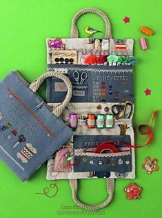 Sewing Caddy, Sewing Kit, Sewing Hacks, Sewing Projects, Sewing Tutorials, Bag Pattern Free, Sewing Patterns Free, Free Sewing, Doll Patterns
