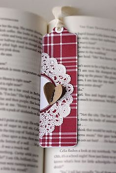 Ohmygosh darling idea!!- bookmark (note: think place mat)