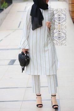 Abuja Modest Set - - Abuja Modest Set Source by Islamic Fashion, Muslim Fashion, Fashion Wear, Modest Fashion, Hijab Fashion, Fashion Dresses, Fashion 2018, Mode Kimono, Pakistani Fashion Casual