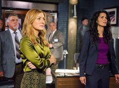 Rizzoli & Isles - Episode Still Jordan Bridges, Lorraine Bracco, Maura Isles, Angie Harmon, Tv Shows, Interview, Actresses, Instagram Posts, Guilty Pleasure