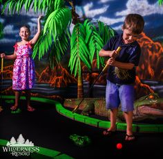 Mini golf will never be the same once you add blacklights, 3D glasses and huge salt water aquariums like Wild Abyss at Wilderness Resort! #WildernessResort #WisconsinDells