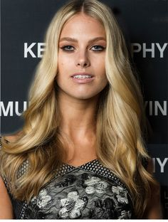 HAIR HOW-TO: ROMANTIC VALENTINE'S DAY WAVES