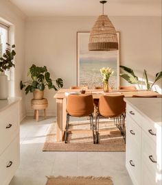 Dining Room Inspiration, Home Decor Inspiration, Küchen Design, House Design, Dining Room Design, Minimalist Home, Cozy House, Home And Living, Living Room