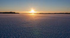 Winter season at lake Pyhäjärvi.