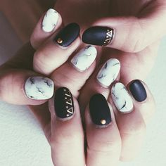 White marble  @yuri.artist @yuriolea #newnails #new #nails #marble #marblenails #whitemarble #mattenail #naildesign #nailart #fashion #instafashion #design #instadesign #l4l #like4like #instamood #instaart #yuinonnails #ネイル #大理石 #大理石ネイル #マーブルネイル #マーブル #マットネイル #いい感じ #デザイン #ネイルデザイン #ファッション