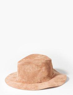 Suede-look hat - CAPS AND HATS - Stradivarius Turkey
