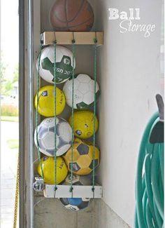 garage ideas Organize Your Garage! With these garage storage tips, it becoems a mich easier job. So let's give these DIY garage storage ideas a try! Organisation Hacks, Garage Organization Tips, Diy Garage Storage, Cheap Storage, Storage Hacks, Storage Solutions, Creative Storage, Organizing Tips, Garage Shelving