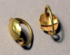 Pair of Earrings, Roman        2nd century C.E.      Gold