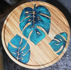 All Details You Need to Know About Home Decoration - Modern Diy Resin Projects, Diy Resin Crafts, Wood Crafts, Wood Projects, Diy Resin Table, Resin And Wood Diy, Silver Wall Clock, Dremel Wood Carving, Epoxy Resin Table