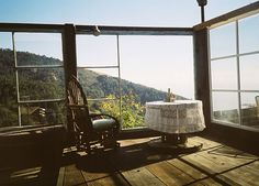 Heaven Hill on Miss Moss · Heaven Hill, as it is known to the few who have been lucky enough to experience it, is a Big Sur south coast mountain compound… Gazebo, Pergola, Relaxation Meditation, Meditation Prayer, Laurel Canyon, Yoga, Big Sur, Humble Abode, Mountain View