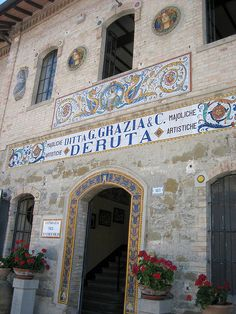 The Italian hillside town of Deruta is known throughout the world for its spectacular pottery.  It was wonderful to see how they paint and fire the ceramics!