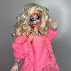 Barbies foram transformadas em Drag Queens de RuPaul's Drag Race