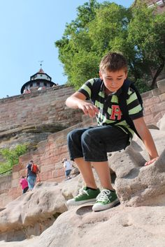 The rock at the Imperial Castle is very popular among kids. (photo: CTZ Nürnberg ------------------------------------------------------- Terms of use: It is allowed to use the photo for touristic or economic depiction of the location Nuremberg or for press work. A commercial use is strictly prohibited. The photo is protected by copyright, the photographer has to be named when using the picture.