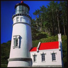 Heceta Head Lighthouse & B&B  In Heceta State Park at the mouth of Cape Creek  92072 Hwy. 101 South; Yachats, OR 97498;  (541) 547-3696  Website: http://www.hecetalighthouse.com  Email: keepers@hecetalighthouse.com