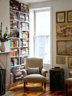 Lovely brownstone in Brooklyn's Cobble Hill. a cozy and bright space for reading