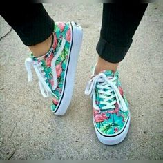 Find images and videos about shoes and vans on We Heart It - the app to get lost in what you love. Sneakers Vans, Cute Sneakers, Vans Shoes Fashion, Custom Vans Shoes, Cute Vans, Aesthetic Shoes, Lit Shoes, Hype Shoes, Fresh Shoes