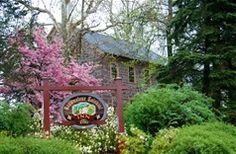 Brownstone Colonial Inn in Reinholds, Pennsylvania | B&B Rental