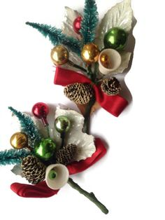 Oh, how I remember my Grandma wearing a Christmas corsage on her winter wool coat.