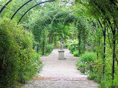 The-Art-of-English-Gardens