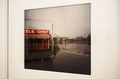 """Little Chef con lluvia..."" Paul Graham #Exposición ""Transiciones. Diez años que trastornaron Europa. Colección Motelay"" Círculo de Bellas Artes #CBA #Madrid #Fotogafía #Photography #PHE16 #PHOTOESPAÑA #Arterecord 2016 https://twitter.com/arterecord"