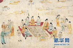 "Escema voda cotiidana durante la dinastía Tang. Pintur Mural  Chang'an C圖為唐代六扇屏風仕女壁畫的""姊妹畫""——唐長安士人在郊外宴飲壁畫,充分反映了盛唐時期長安人的日常生活情景。"