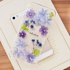 Pretty Iphone Cases, Cute Phone Cases, Iphone Case Covers, Diy Resin Art, Diy Resin Crafts, Diy Resin Phone Case, Airpods Apple, Silicone Iphone Cases, Design Case