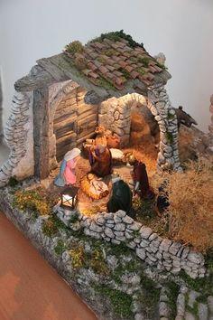 Christmas Cave, Christmas Crib Ideas, Easy Christmas Decorations, Christmas Village Display, Dollar Tree Christmas, Christmas Nativity Scene, Christmas Pictures, Christmas Wreaths, Christmas Crafts