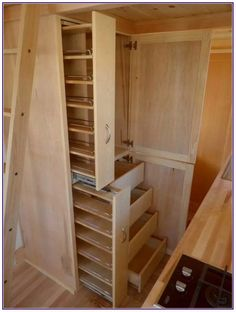 Best Small Kitchen Storage Ideas For Awesome Kitchen Organization Great Clever Ideas for Small Home Kitchens Awesome Tiny House Kitchen Decor Storage tricks for more space: So awesome can a k Tiny House Storage, Small Kitchen Storage, Kitchen Organization, Storage Organization, Kitchen Pantry, Tiny Pantry, Kitchen Ideas, Kitchen Designs, Pantry Storage