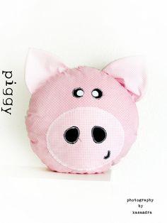 Poduszka PIGGY - kasandra76 - Poduszki dla dzieci