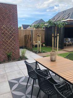 Outdoor Garden Rooms, Rooftop Garden, Backyard Patio Designs, Backyard Landscaping, Small Back Gardens, Back Garden Design, Garden Styles, Home And Garden, Gardens
