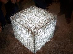 Gabion made with glass chunks, wire mesh and lit from underneath at SF garden show. Could use a solar light underneath. Gabion Box, Gabion Baskets, Gabion Wall, Potpourri, Cascade Water, Solar String Lights, Garden Inspiration, Outdoor Lighting, Malaga