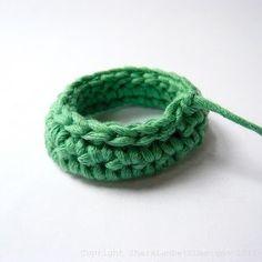 Shara Lambeth Designs: Crochet Chain Link Necklace Tutorial