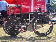 Basque company Orbea had a new TT bike in use by Cofidis: the Ordu. The company has worked closely with Vision and TriRig in the development of products for the new bike. Bicycle Parts, Pro Cycling, Bicycle Accessories, Grand Tour, Road Bikes, Ducati, Tours, France, Triathlon Bikes