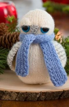 """Free knitting pattern for Snowy Owl softie toy about 14 cm [5½""""] tall"""