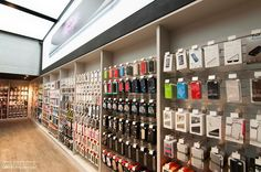 Showroom Design, Shop Interior Design, Retail Design, Mobile Shop Design, Cell Phone Store, Jewelry Store Design, Mobile Phone Shops, Retail Shelving, Store Layout
