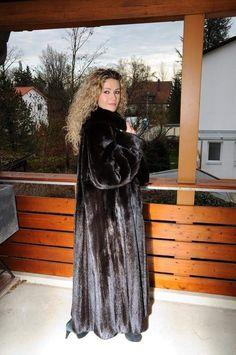 Fur Fashion, High Fashion, Winter Fashion, Womens Fashion, Mink Fur, Mink Coats, Sable Coat, Long Fur Coat, Fur Clothing