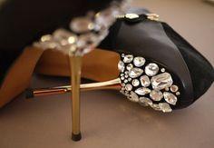 Black and gold wedding heels #bride #weddingshoes #blackwedding #goldwedding #weddingheels