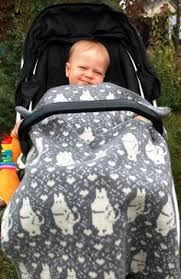 Bilderesultat for moomin knitting pattern Crochet Books, Knit Crochet, Fair Isle Knitting Patterns, Tove Jansson, Moomin, Knitted Blankets, 4 Kids, Baby Patterns, Leg Warmers