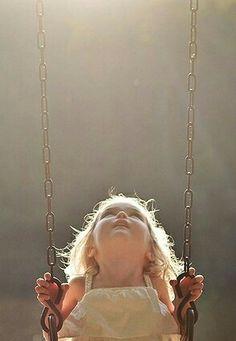 Mi hanno raccontato la Tua storia, ma non l'ho capita. Davvero non mi piace vederTi soffrire così. Sarebbe più bello se tutto questo dolore non fosse necessario. Vorrei potermi sdraiare ai Tuoi piedi, e restare lì, con tutto quell'Amore e quella Luce, mi sentirei al sicuro e non avrei più bisogno di niente. Sono sicura che possiamo riscriverla e che quella croce non serve più. Staremo insieme, in eterno, nella Luce♥ #luce #croce #coaching